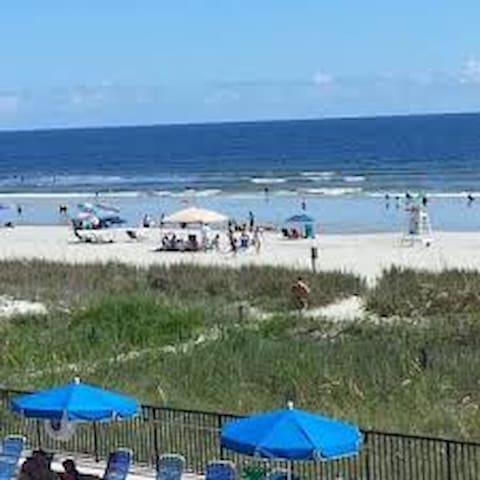 Ocean Front NMB/Cherry Grove condo beach oasis