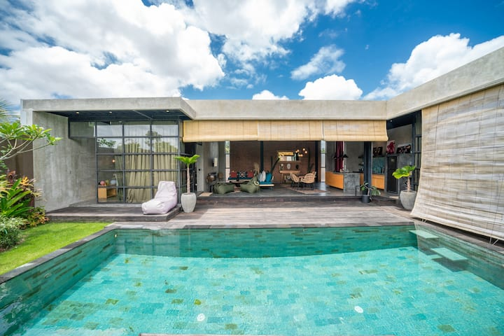 Contemporary 2bdr villa next to ricefield
