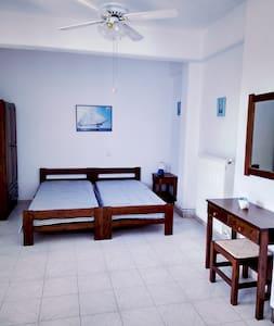 Beautiful studio near the beach #2 - Aliki/Paros - Aliki - Apartmen
