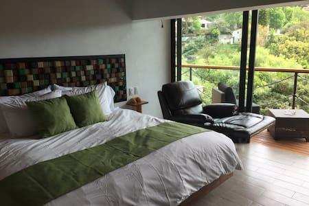 Cama King Size y Reposet hacen un espacio ideal para el descanso perfecto!