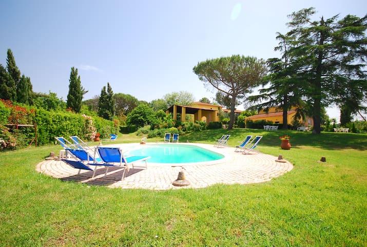 Accogliente appartamento con piscina a Vinci - Valinardi - Byt