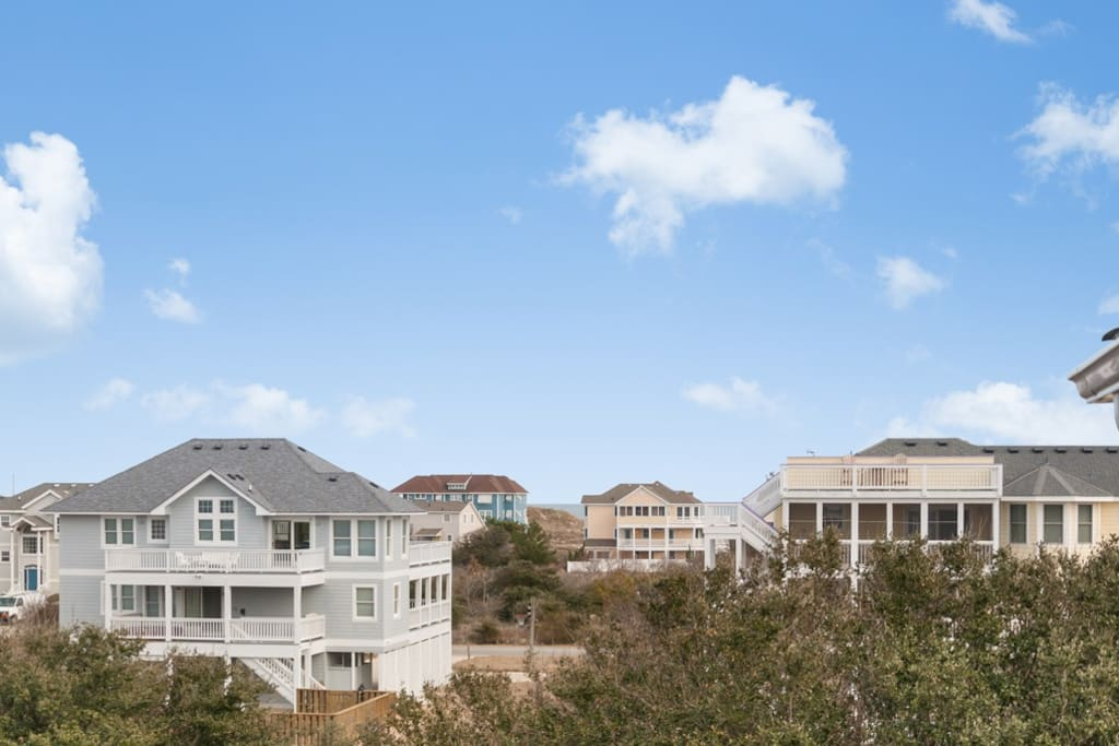 WH549: Pelican Shores | Top Level Deck Loft View