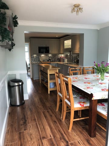 Ryecroft - a spacious and welcoming home from home