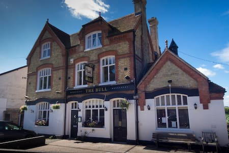 Boutique Victorian converted pub in Tudor village. - Brenchley - Casa