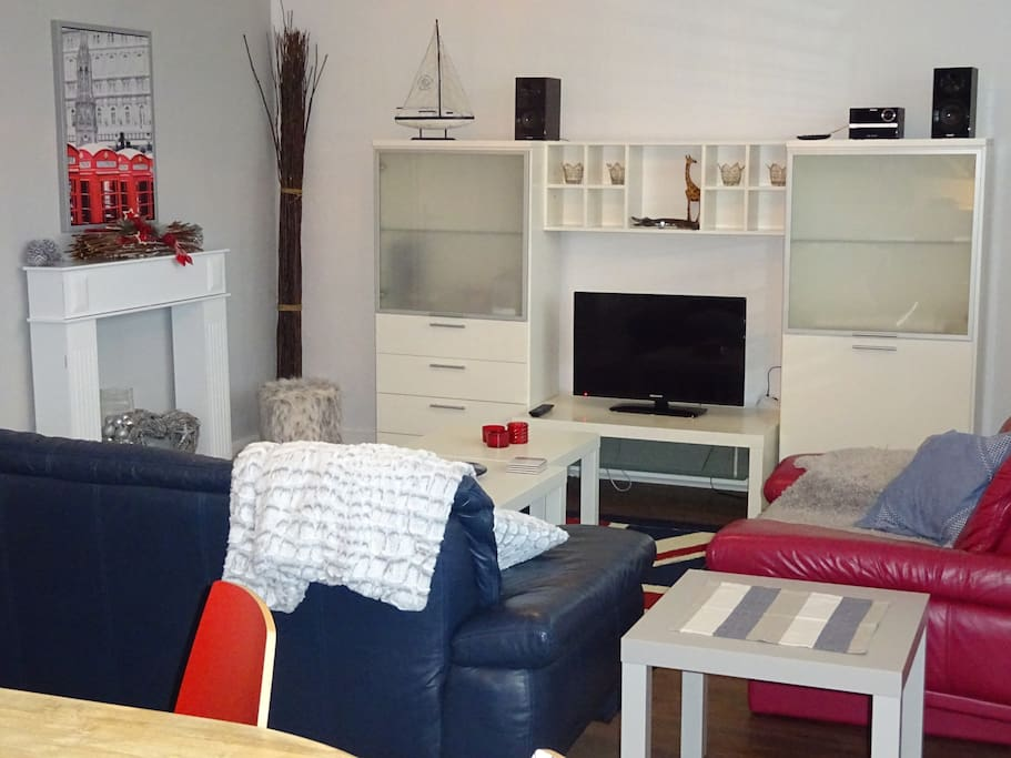 ferienwohnung apartment solingen hauptbahnhof service. Black Bedroom Furniture Sets. Home Design Ideas