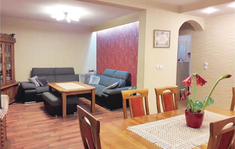 Holiday apartment with 3 bedrooms on 130m² in Rokitnica