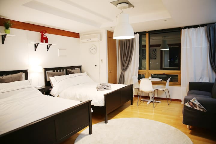 [NEW] Viator LUX hotel #GarnET in Dongdaemun