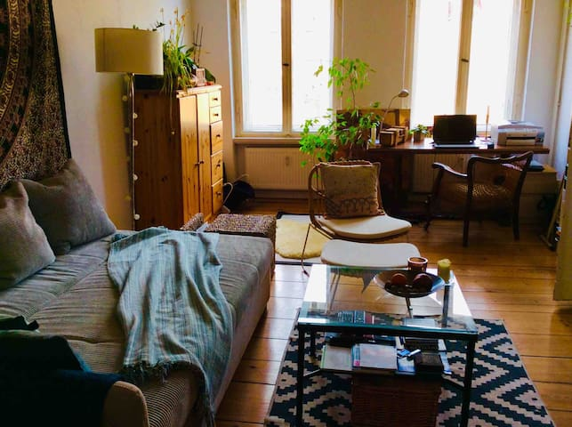 Big and Bright Privat Room in Moabit/Main Railway!