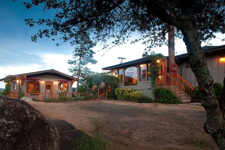 Elegant, lovely guest cottage
