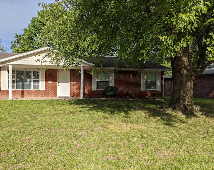 Newly Renovated House in Central Bentonville