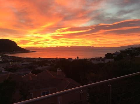 AAAAH! The  best of Fishhoek, seas, beaches , view