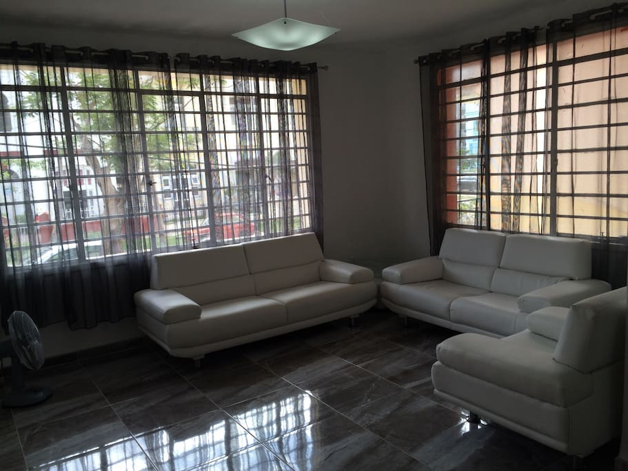large windows where you can enjoy clarity and natural ventilation