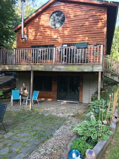 White Mountain Log Home Retreat