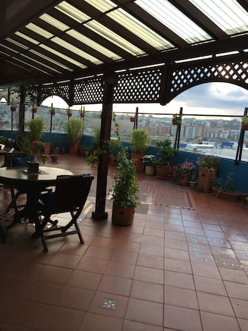 PENTHOUSE ROOM WITH IMPRESSIVE VIEW - Quito