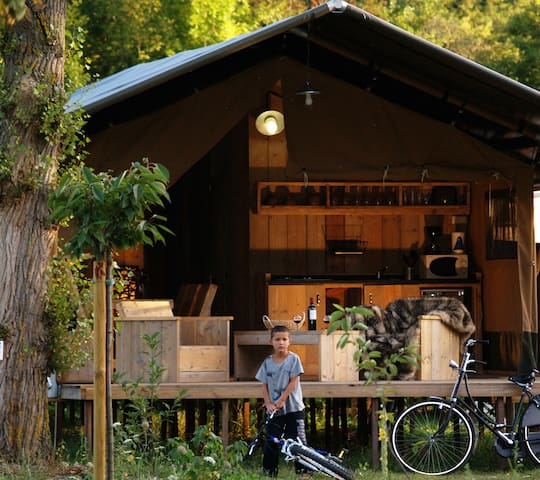 Safari Lodges in CosyCamp on the bank of the river - Chamalières-sur-Loire - Cabaña