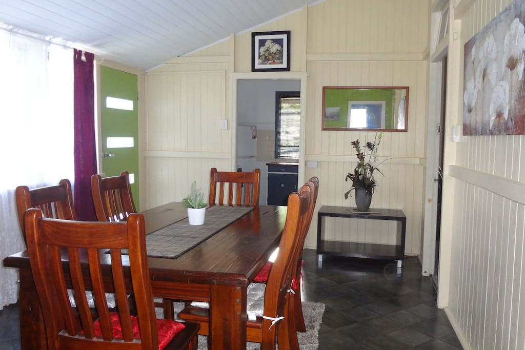 Dining Room has extra T.V.