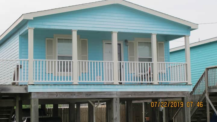 Ocean Breezes 2 Bedroom Home, Dog Friendly