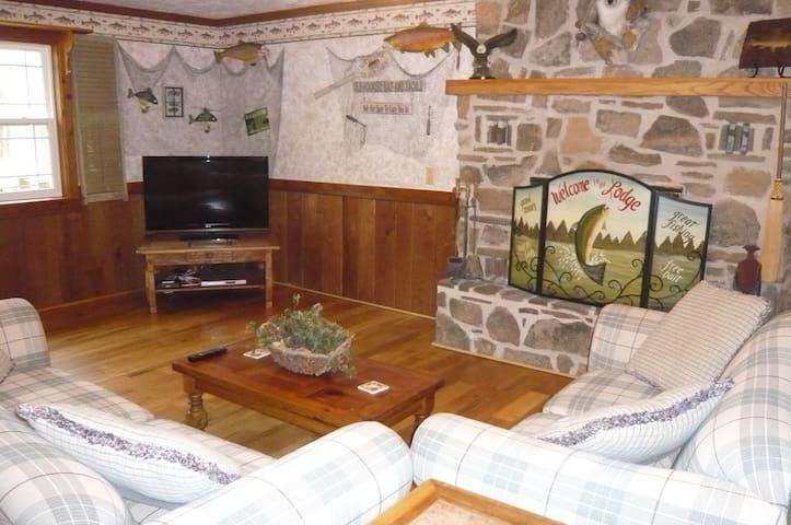 White River Front Retreat - Lakeview - Dům