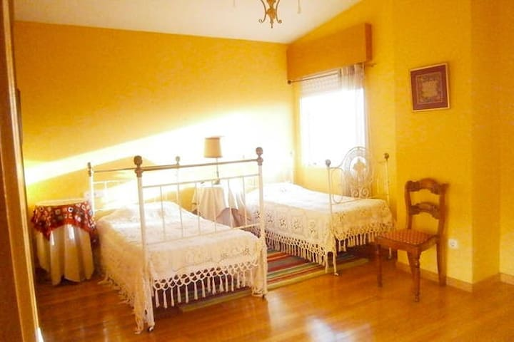 SPLENDID STAY CLOSE TO SANTIAGO DE COMPOSTELA! - Teo - Bed & Breakfast