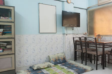 1 Room (HALL of a 1 bhk flat) in Andheri West - Mumbai - Wohnung