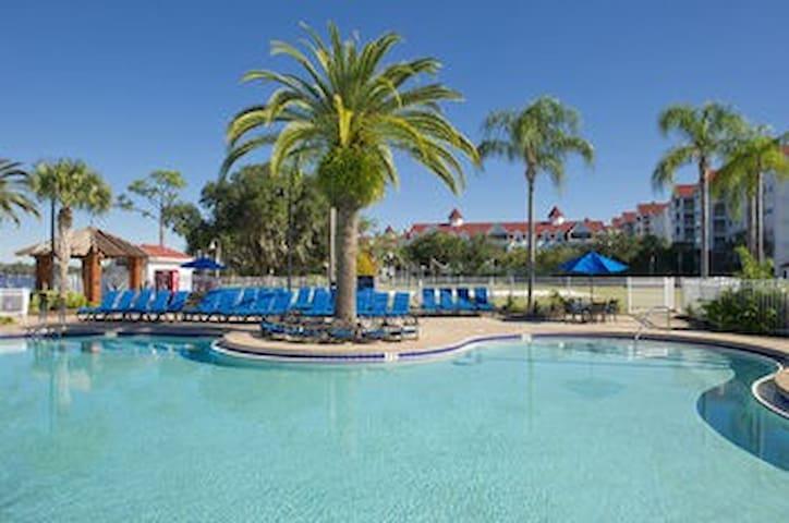 Grand Beach - Near Disneyland - 3 Bedrooms