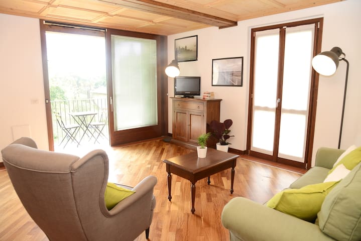 Apartments with lake view, garden and free parking
