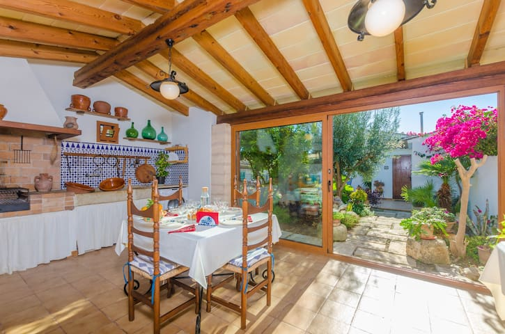 ES PUJOLS - Chalet with terrace in Campanet.