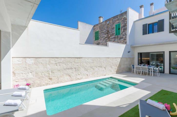 YourHouse Ca Na Foc - casa moderna con piscina en el norte de Mallorca