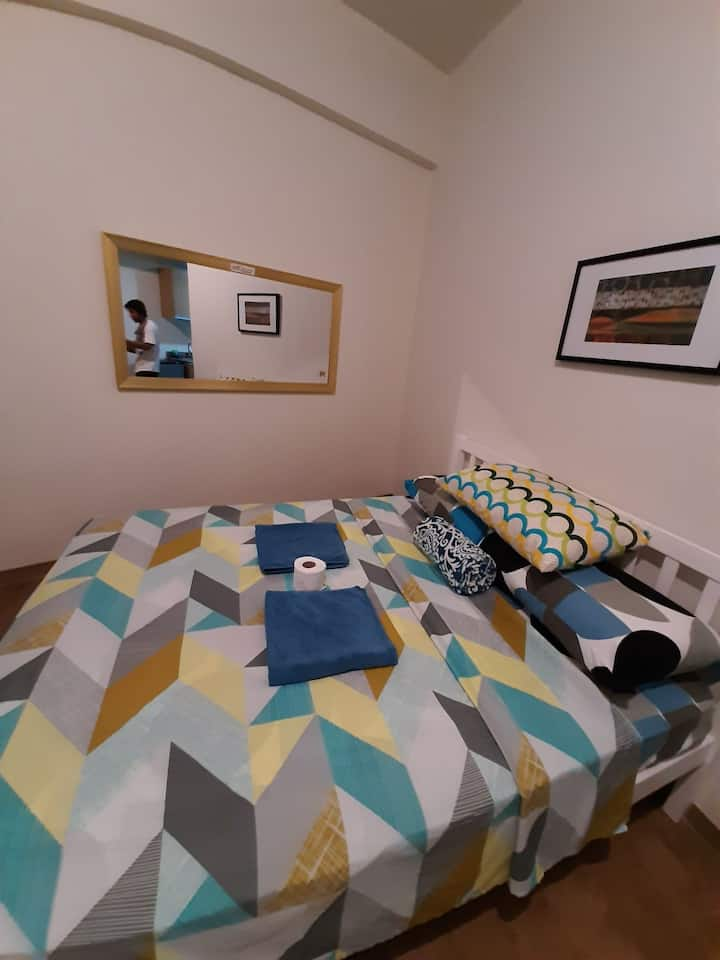 Amani Grand 3min to airport,SmartTV, WiFI,Balcony