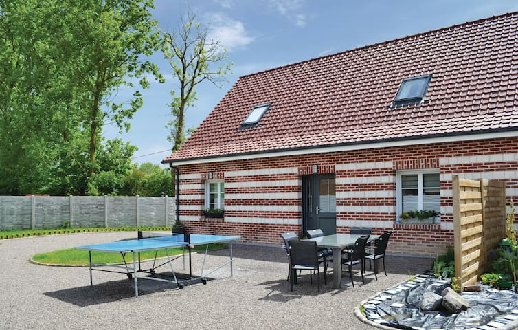 Semi-Detached with 3 bedrooms on 140m² in Renty