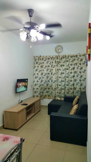 LED TV, Sofa set