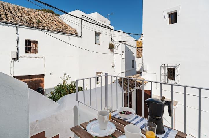 Quiet Location and Terrace - Casa Patio Paraiso