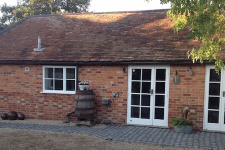 A B&B in the heart of the North Wessex Downs. AONB
