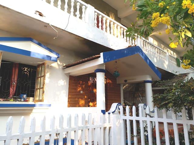 Morjim beach _Tvisha's  guest house