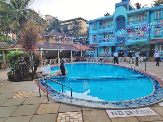 Cozy AC Apartment With Pool in Calangute