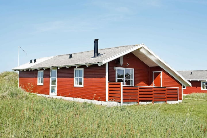 Cozy Holiday Home in Frøstrup with Ocean View