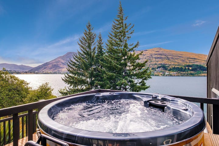 Queenstown Lakefront Dream | Hot Tub | BBQ |