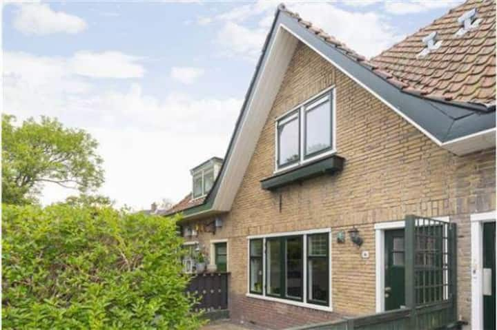 Cosy house (80m2), only 5 min from centre!