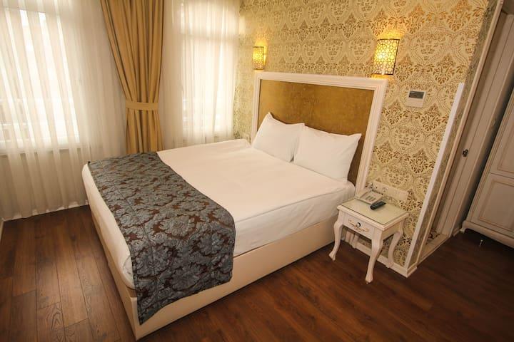 Double Room in Sirkeci Eminönü
