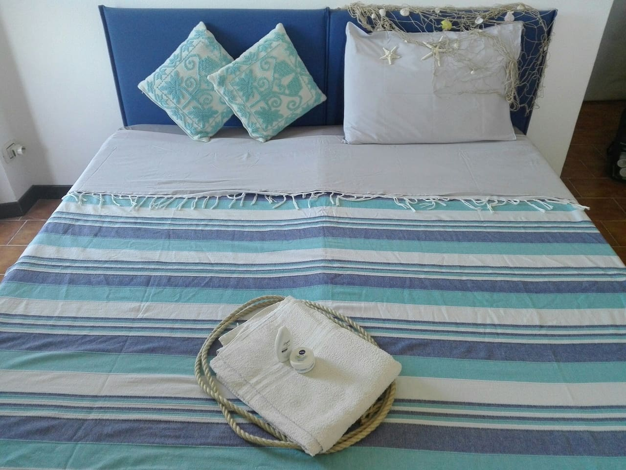 PORTOBELLO ROOM, KING SIZE BED OR TWO SINGLE BEDS plus a sofa bed