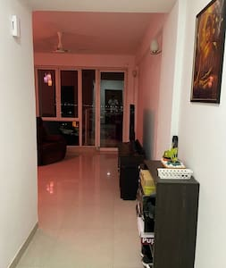 Pvt. Living Space - 10 mins to Expo Mart