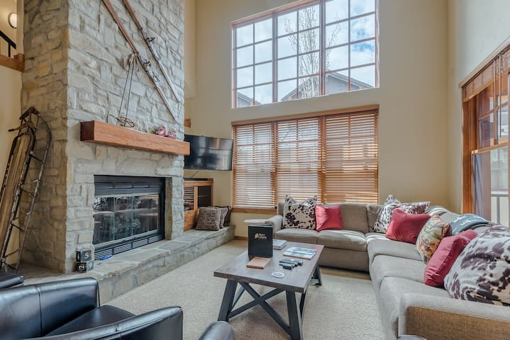 Room for 8 + Pet Friendly! Close to Downtown Ketchum  | 4 Bedroom, 4 Bathroom