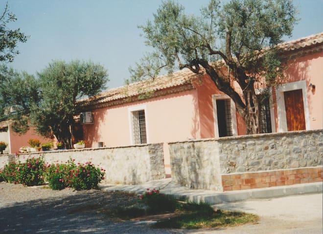 Balanos tra mare e montagna - Rossano - House