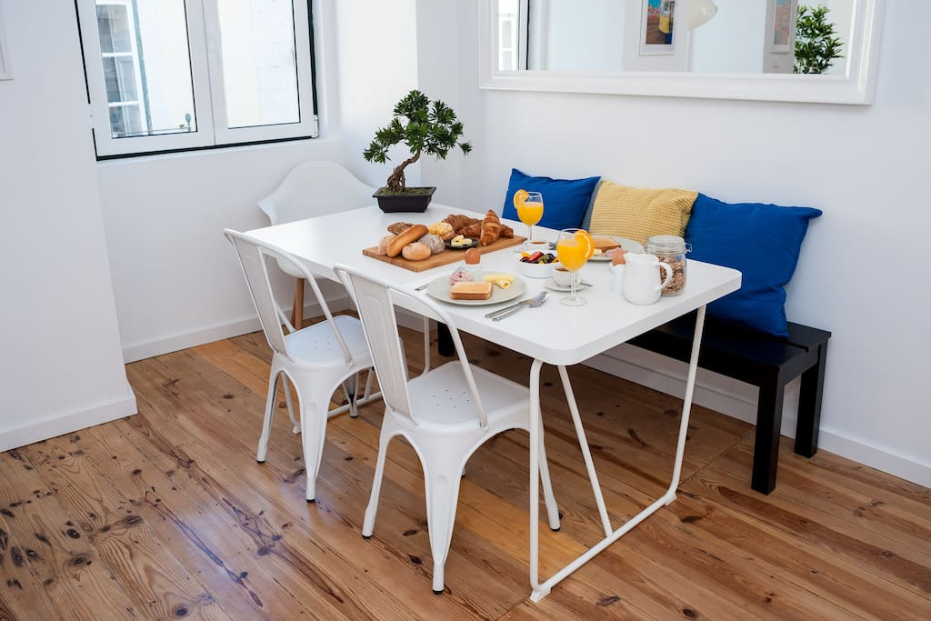 Mesa de refeição / Dining table