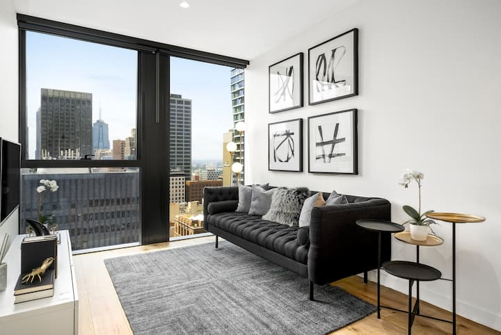 New York style Collins St CBD Apartment + Gym