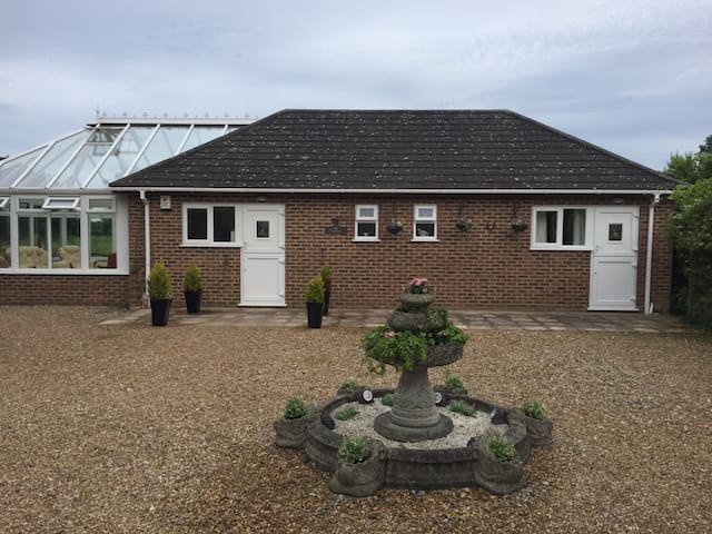 Luxury Retreat 5 Minutes From Canterbury City - Kent - Bungalou