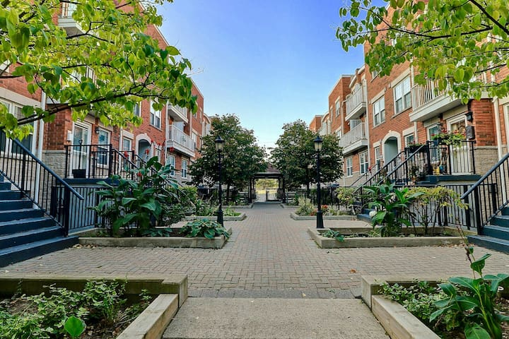 Cozy New 2 BDRM Townhouse Right Beside Subway