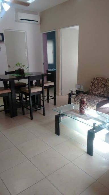 Comoda Sala con Pantalla y wifi A/A