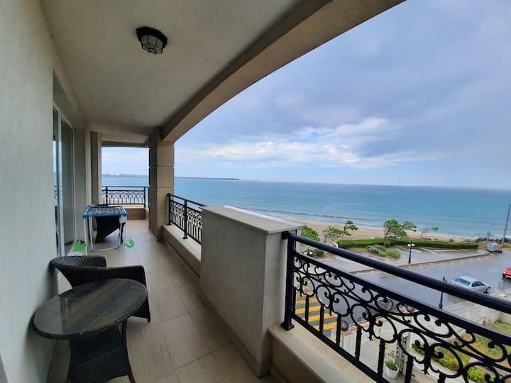 Апартаменты с огромной террасой  у моря