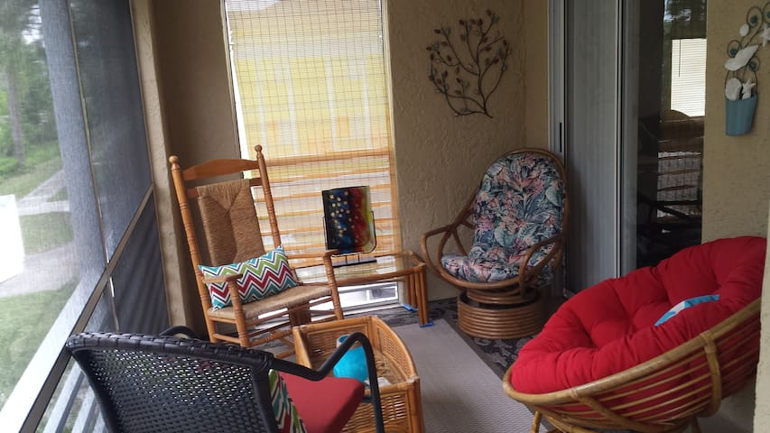 2 Bedroom Condo Estero FL - Estero - Apartment